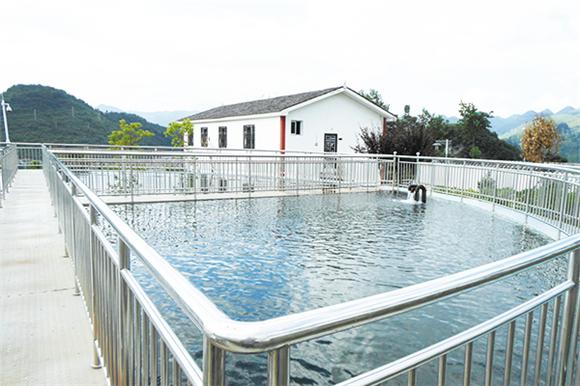 桑柘镇自来水厂,水处理能力为2000 m3。设计供水人口为1.41万人。通讯员 蔡秀 摄
