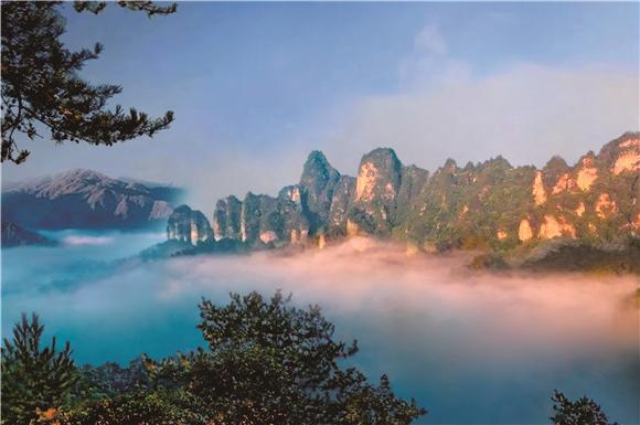 光雾山国家5A级旅游景区。巴中市文化广播电视和旅游局供图 华龙网发