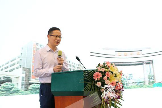 重庆市教科院副院长刘雅林分享《高品质学校建设》 李晓慧 摄